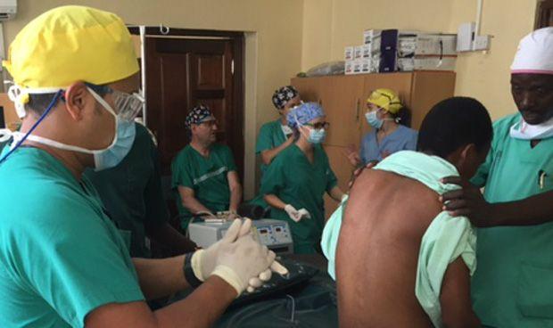 Cirujanos de Villalba operan de manera solidaria en el norte de Kenia