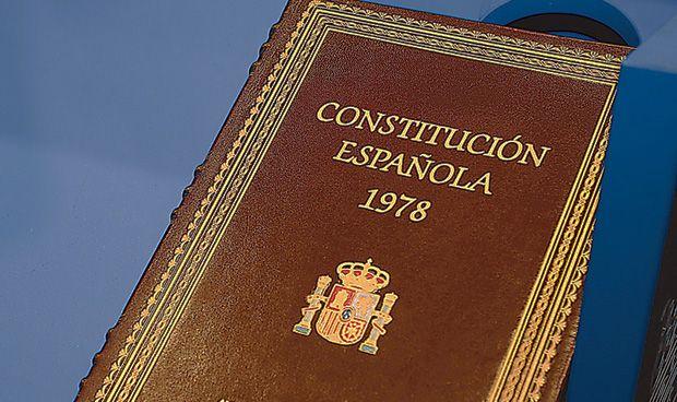 CIS: la sanidad autonómica debe ser la primera reforma en la Constitución