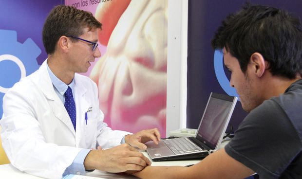 CIS: los pacientes, más contentos con médicos de AP que con los de hospital