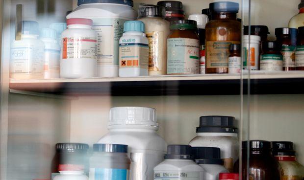 CIS: un tercio de los españoles consume medicamentos sin receta