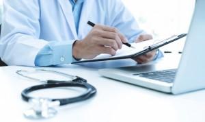 """Cláusula del primer contrato de un médico español: """"Disponible 24 horas"""""""