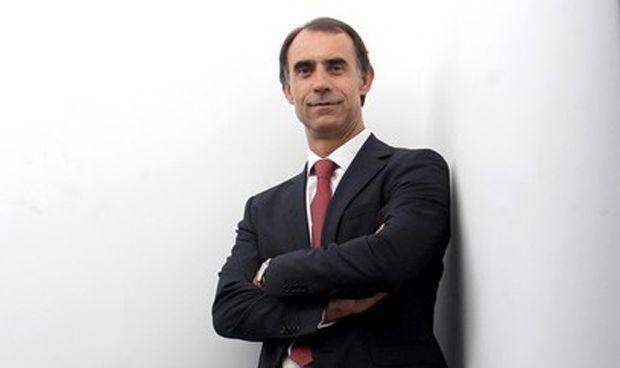 Cofares encarga a Antón integrar la farmacia en el sistema sociosanitario