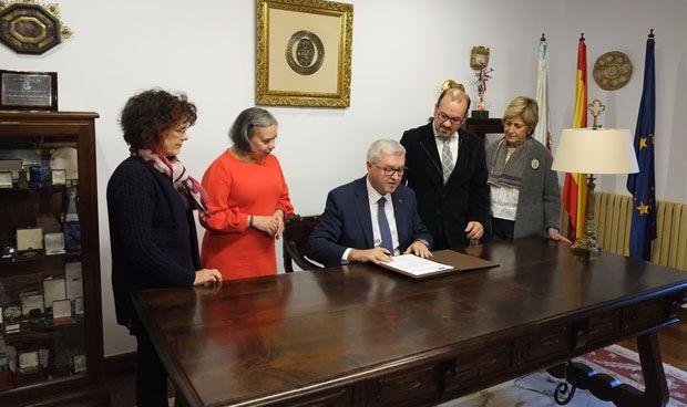 Cofares impulsa la formación práctica para alumnos de Farmacia en Santiago