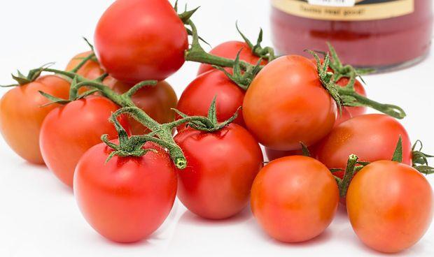 Comer tomate a diario reduce las posibilidades de sufrir cáncer de piel