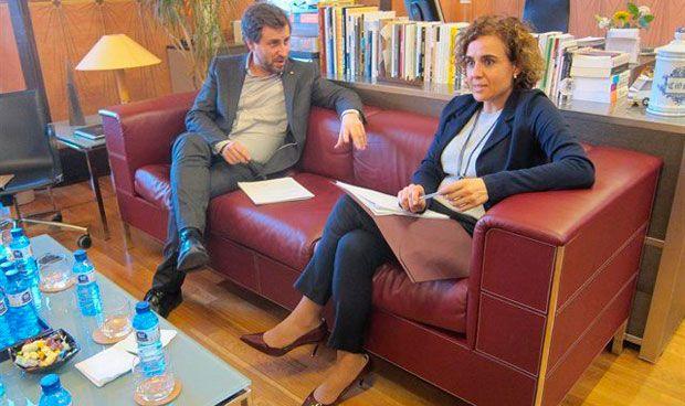 Comín anuncia a última hora que va con Montserrat a Bruselas por la EMA