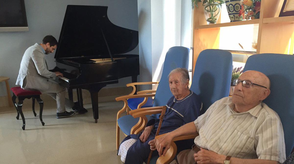 Comín, un pianista 'amateur' por culpa de la política