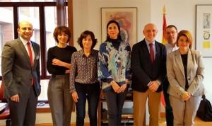 Reunión con el Ejecutivo para que cada colegio de España tenga un enfermero