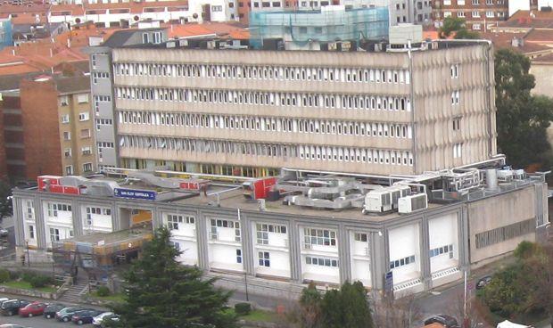 """Concentración sindical contra el """"recorte de camas"""" en el Hospital San Eloy"""