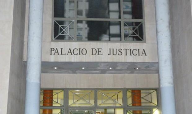 Condena a un falso médico: multa de 4 euros al día y sin pasar por prisión