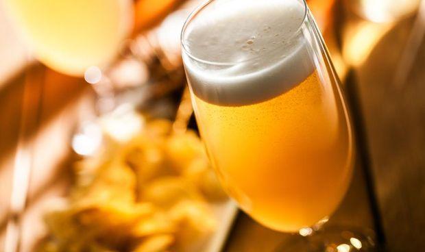 Consumir dosis bajas de alcohol reduce la inflamación del cerebro