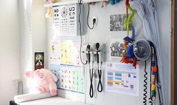 Contratar a un sanitario sale 100 euros más barato que hace un año