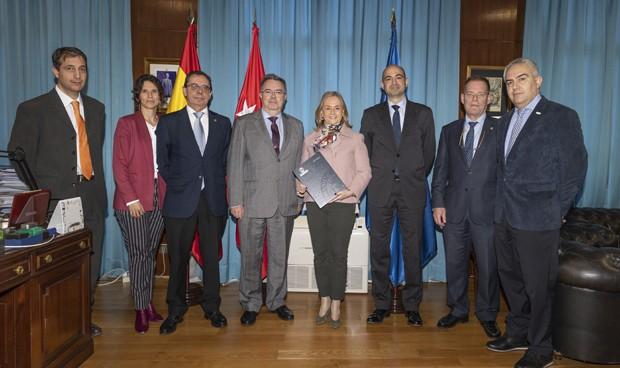 Convenio de Fenin y la Universidad Politécnica para la promoción científica