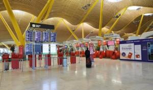 Oficial: España pedirá PCR negativas de viajeros de 65 países de riesgo