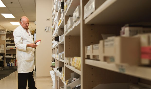 Coronavirus: 150 servicios de farmacia envían medicación a pacientes