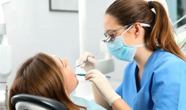 Coronavirus contagio: el dentista es quien más se arriesga en la reapertura