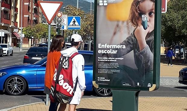 """Coronavirus: """"clamor"""" en las calles de España por la enfermera escolar"""