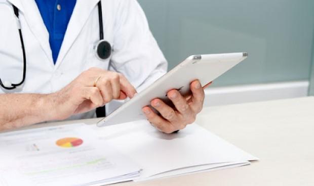 Coronavirus: Sanidad no hace adjuntos a los MIR, pero su sueldo 'sube'