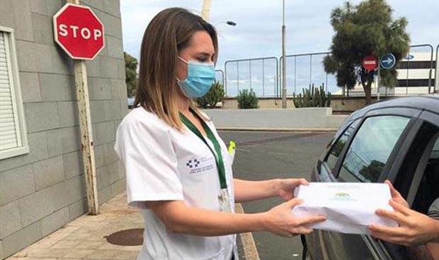 Coronavirus en Tenerife: recogida 'exprés' de medicinas sin bajar del coche