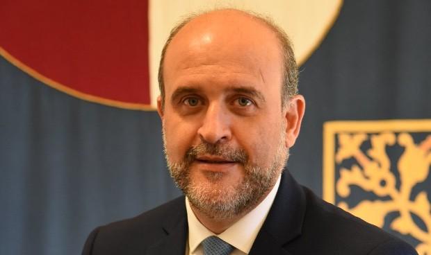 Covid-19: Castilla-La Mancha blinda por ley la disponibilidad de EPI y test