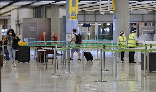 Covid-19: España digitaliza el formulario de control sanitario de viajeros
