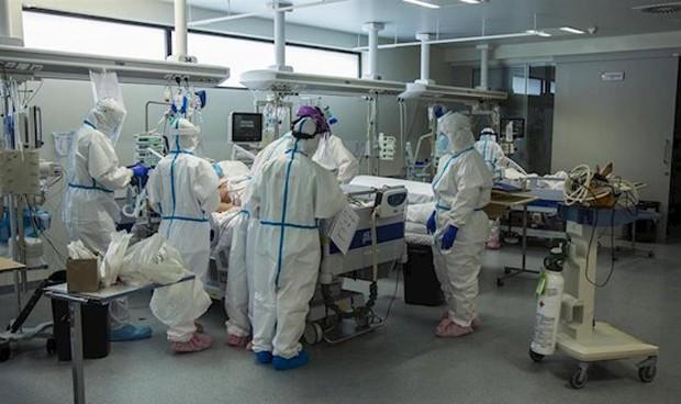 """Covid-19: los médicos defienden su """"fiel cumplimiento"""" de la deontología"""