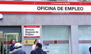 El pico de la pandemia de Covid duplica las bajas de sanitarios (140.000)