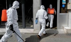 """Covid-19 en residencias: """"Puertas cerradas y personas suplicando salir"""""""
