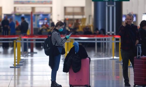 Covid-19: Sanidad amplía la cuarentena a pasajeros de Colombia y Perú