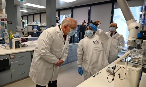 Covid-19: Oxford y AstraZeneca reanudan los ensayos de su vacuna