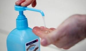 Dermatología: el lavado de manos, mejor con agua y jabón que con hidrogeles