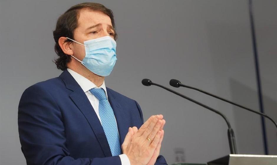 Mañueco deroga el decreto de prestaciones obligatorias para los sanitarios