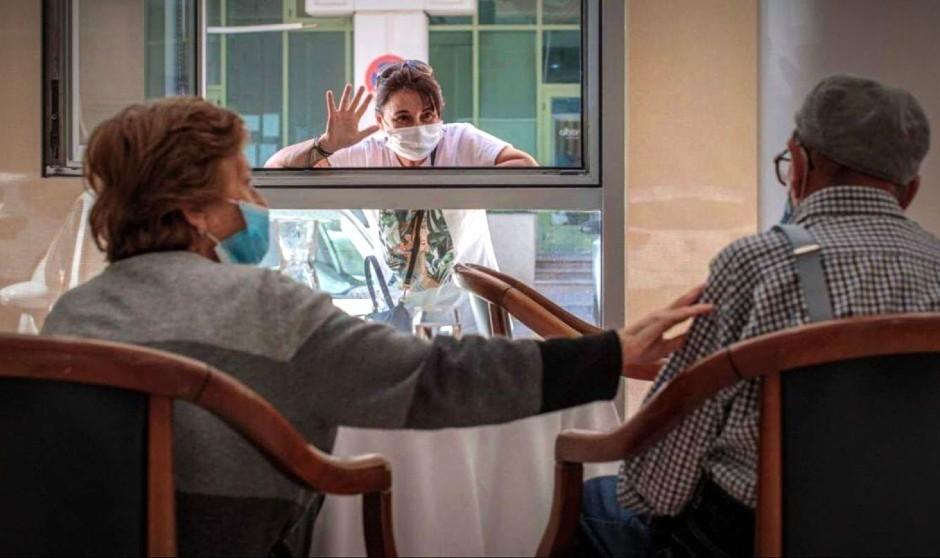 Covid en residencias: se duplican los casos en una semana con 37 muertes