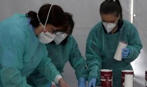 Síntomas Covid en el 37% de enfermeras, el triple que en población general
