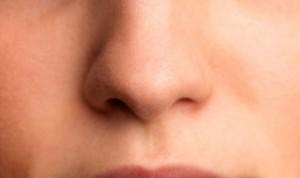 Covid: falta de olfato y gusto un año después del contagio en casos leves