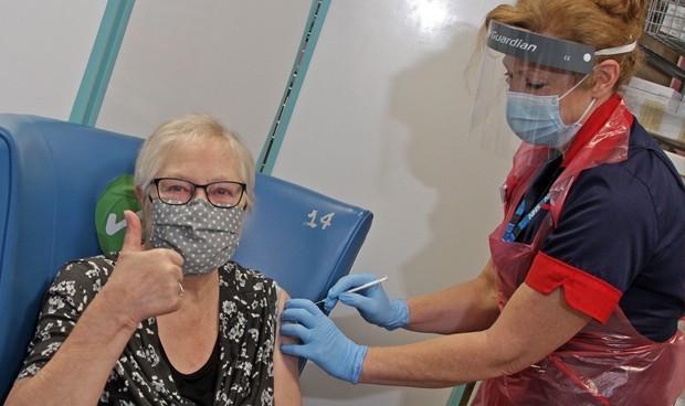 Covid: la inmunidad adquirida por vacuna en España roza los 500.000 casos