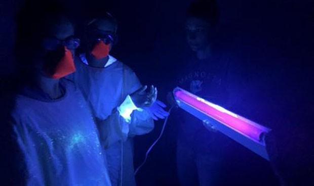 Las lámparas de luz ultravioleta tardan más de 15 min. en eliminar un virus