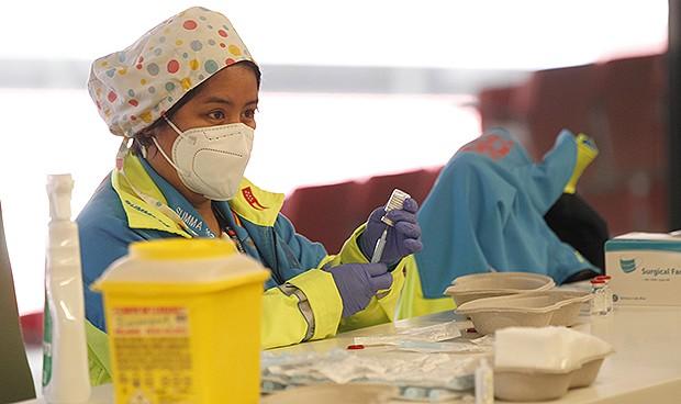 Madrid usará personal jubilado para vacunar del Covid en el WiZink Center