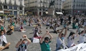 Los médicos madrileños aplazan su concentración frente a Sanidad