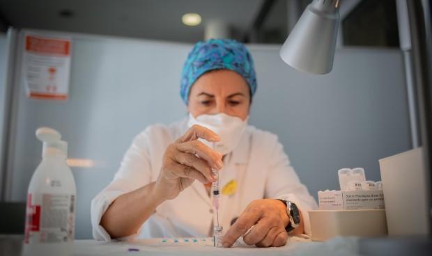 Covid: Pfizer reduce temporalmente las entregas de vacunas a Europa