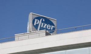 """Pfizer vacuna a sus empleados en España """"de acuerdo"""" con Sanidad"""