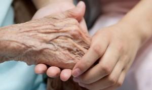 Covid-19: el delirio apunta a síntoma temprano en ancianos vulnerables