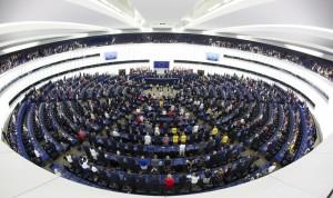 El PSOE europeo pide liberar patentes de vacunas Covid y el PP medita su No