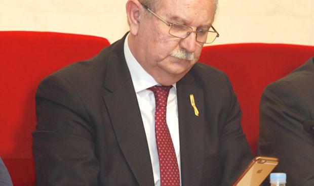 Críticas a Romero por felicitar a Casado en nombre de los médicos