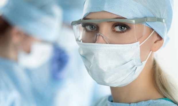 Cuando operan las cirujanas mueren menos pacientes