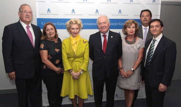 Cuatro hombres y cuatro mujeres para representar a la Enfermería española