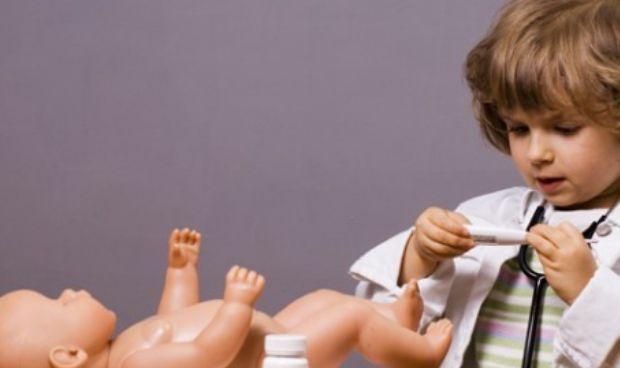 De mayor quiero ser… las niñas que desean ser médico duplican a los niños