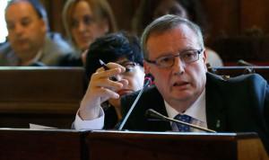 Del Busto propone 'consultas virtuales' para combatir la lista de espera