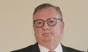 Del Busto cesará a un director sanitario tras la amenaza de ser multado