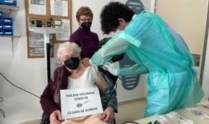 Dénia comienza a vacunar contra el Covid-19 a los mayores de 90 años