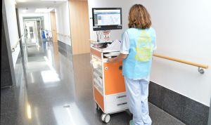 Denia reduce errores de Enfermería al repartir medicación con unos chalecos